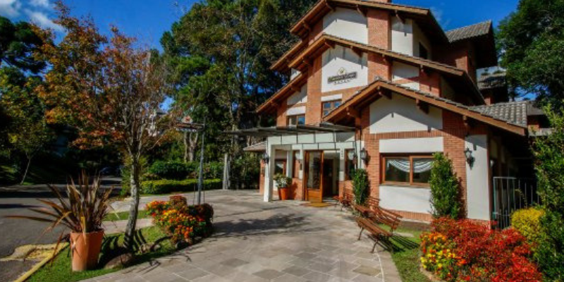 Hospedagem em Gramado - Hotel Encantos Lago