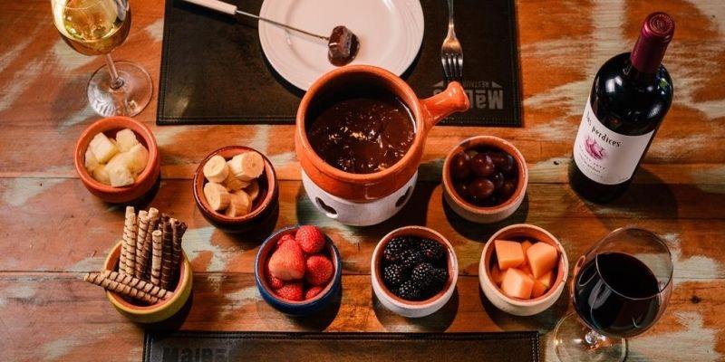 O que fazer em Gramado com chuva: sequência de fondue